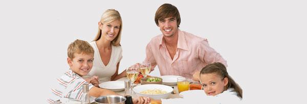 Comer en familia reduce el sobrepeso
