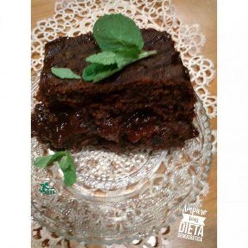 BIZCOCHO DE CHOCOLATE relleno de FRAMBUESA